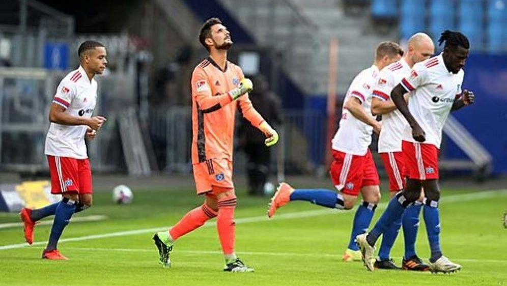 Hamburg: Unentschieden gegen Düsseldorf - Bildquelle: FIROFIROSID