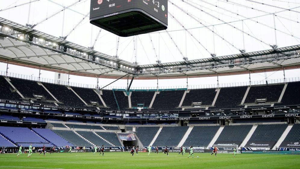 Gegen Köln bleibt es bei 25.000 zugelassenen Fans - Bildquelle: FIROFIROSID