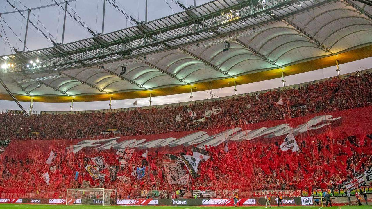 UEFA verbietet Choreo von Eintracht Frankfurt vor Europaleague-Spiel - trotz Erlaubnis der Stadt und der Behörden - Bildquelle: getty