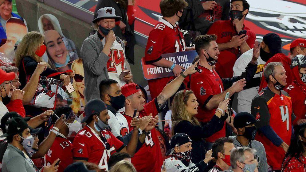 Ein Ausblick in die nahe Zukunft? Die NFL plant mit hohen Zuschauereinnahmen... - Bildquelle: getty