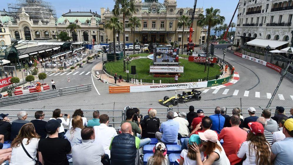 Beim Großen Preis von Monaco werden Zuschauer dabei sein - Bildquelle: AFPSIDBORIS HORVAT