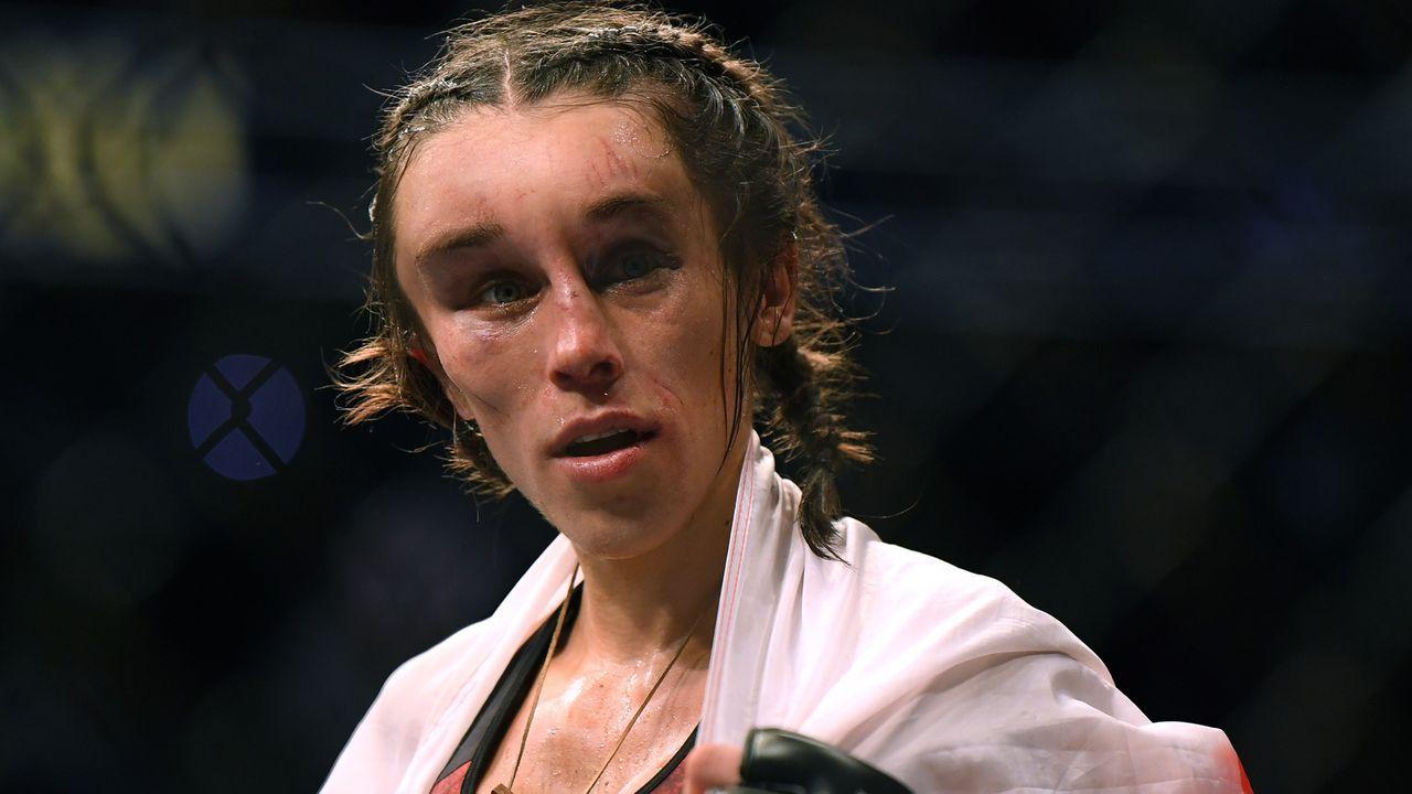 UFC-Star Joanna Jedrzejczek nach ihrer Pleite gegen Zhang Weili - Bildquelle: 2020 Getty Images