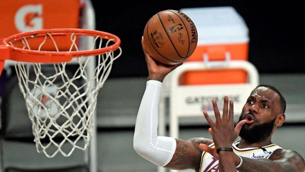Noch nicht wieder in Form: LeBron James - Bildquelle: AFPGETTY SIDKEVORK DJANSEZIAN