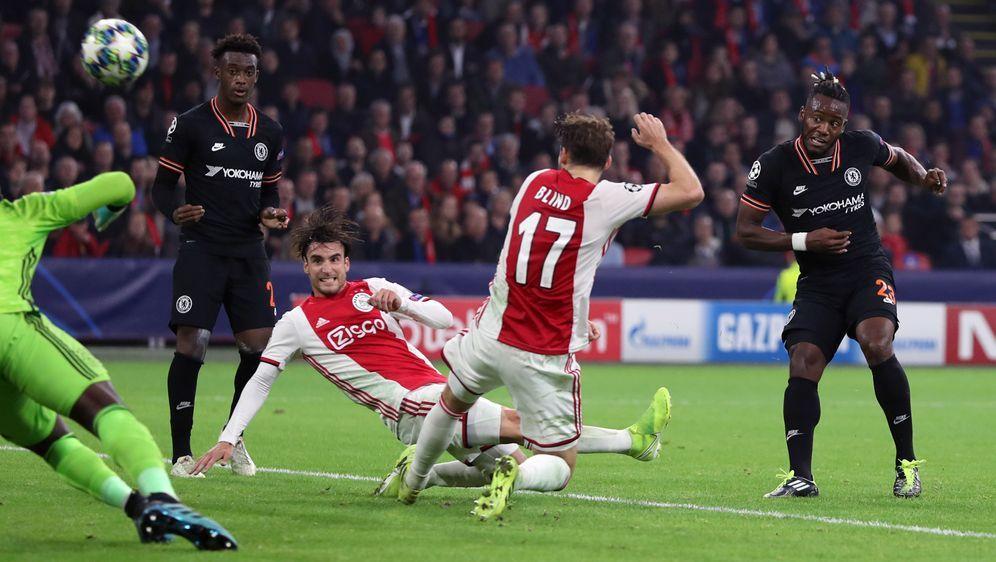 Der FC Chelsea siegt bei Ajax Amsterdam - Bildquelle: Imago