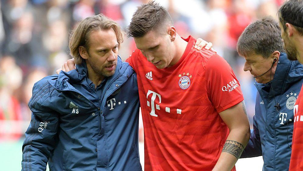 Niklas Süle ist offenbar schwerer am Knie verletzt, als zunächst angenommen. - Bildquelle: imago images/Jan Huebner