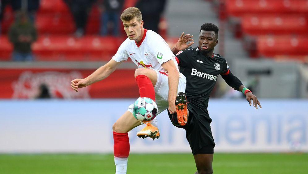Alexander Sörloth (m.) feierte sein Debüt für RB Leipzig - Bildquelle: Getty Images