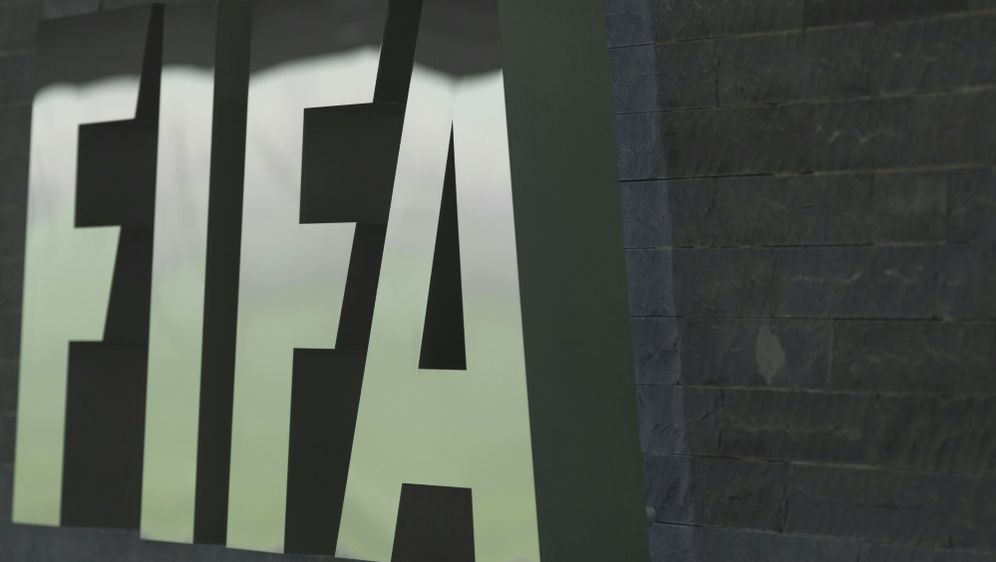 FIFA: Arbeit an der halbautomatischen Abseitstechnologie - Bildquelle: PIXATHLONPIXATHLONSID