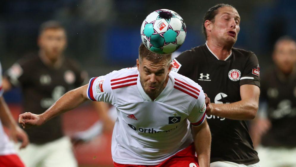 Der HSV und St. Pauli schenken sich im Derby nichts. - Bildquelle: 2020 Getty Images