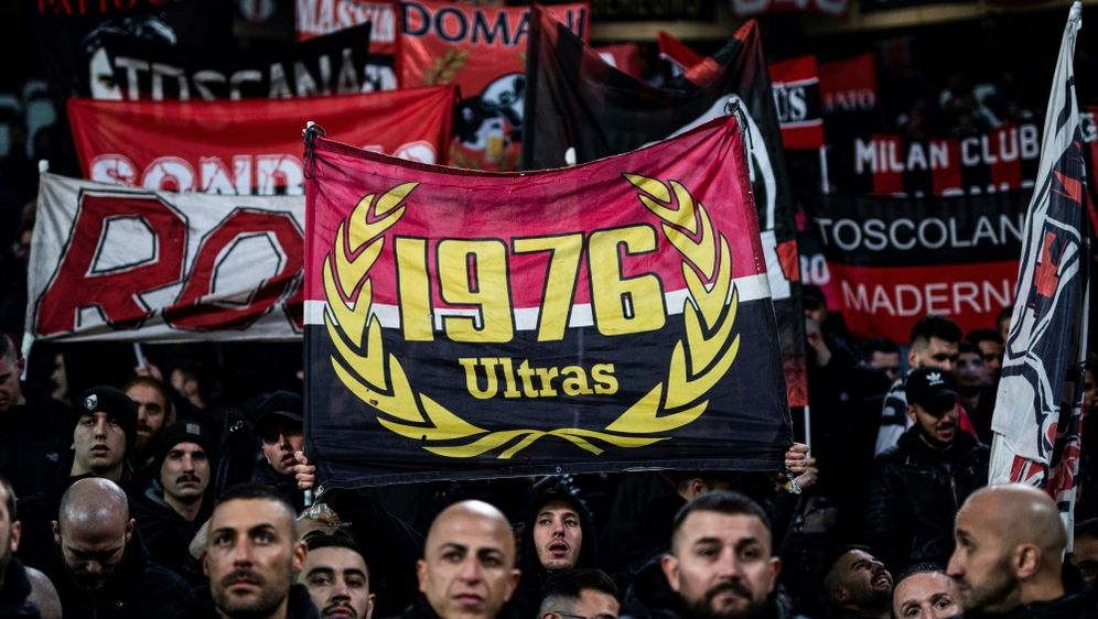Fans des AC Mailand (Symbolfoto) - Bildquelle: AFPAFPMarco BERTORELLO