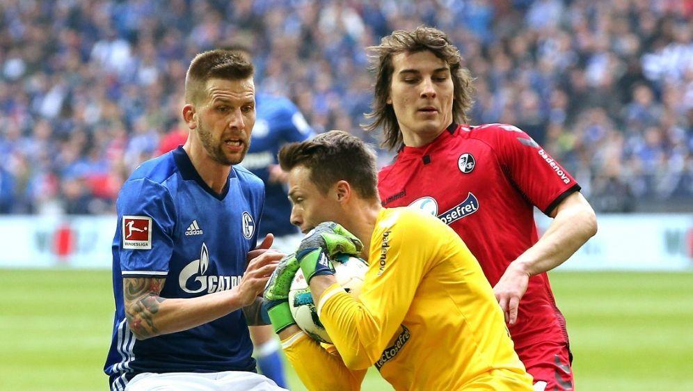 Schwolow könnte demnächst für Schalke auflaufen - Bildquelle: FIROFIROSID