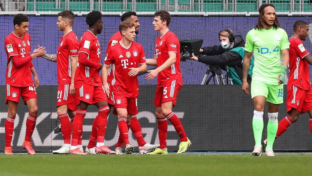 Tabellenführer Bayern München besiegt Wolfsburg 3:2 - Bildquelle: Imago