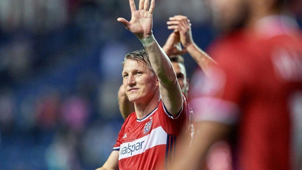 Bastian Schweinsteiger gewinnt mit Chicago - Bildquelle: PIXATHLONPIXATHLONSID