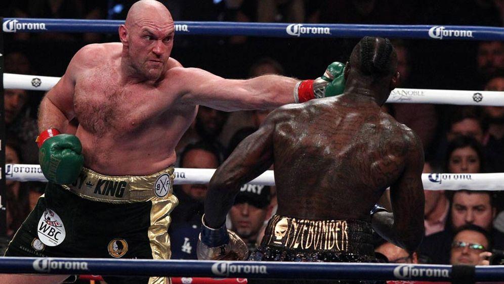Tyson Fury (l.) schaffte gegen Deontay Wilder ein Unentschieden - Bildquelle: imago