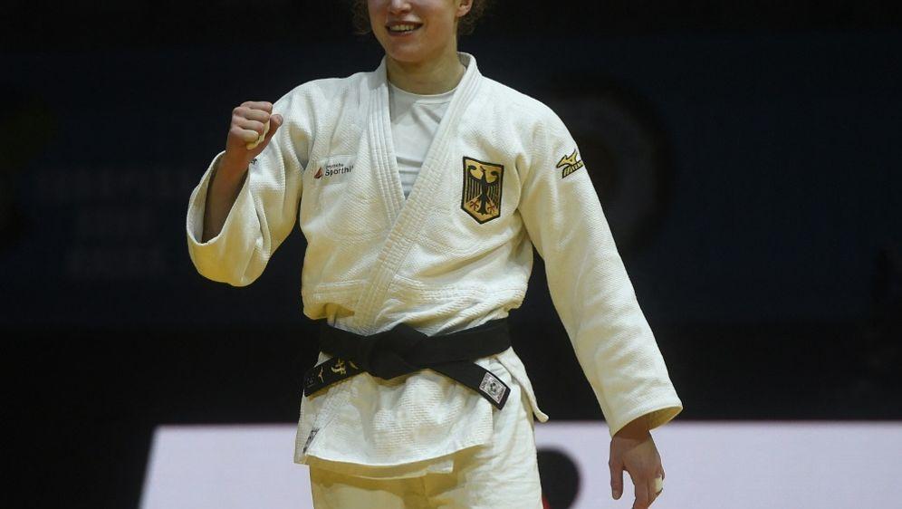 Erste WM-Medaille für Deutschland durch Theresa Stoll - Bildquelle: AFPSIDMICHAL CIZEK