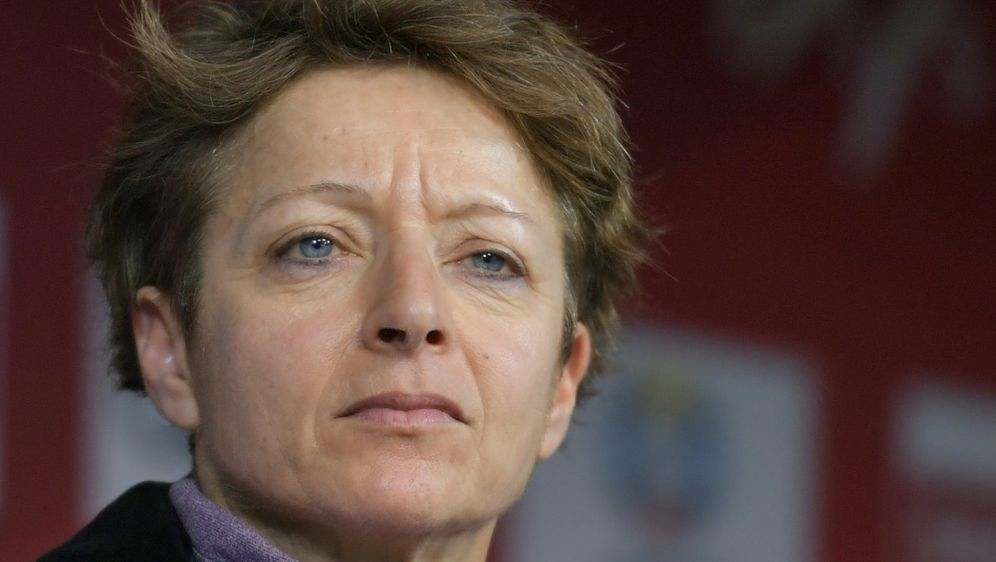 Lewis war zuvor bereits Generalsekretärin bei der FIS - Bildquelle: AFPSIDFABRICE COFFRINI