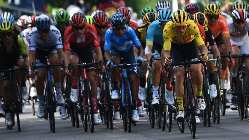 Die zehnte Tour-Etappe führt von Saint-Flour nach Albi - Bildquelle: AFPSIDANNE-CHRISTINE POUJOULAT