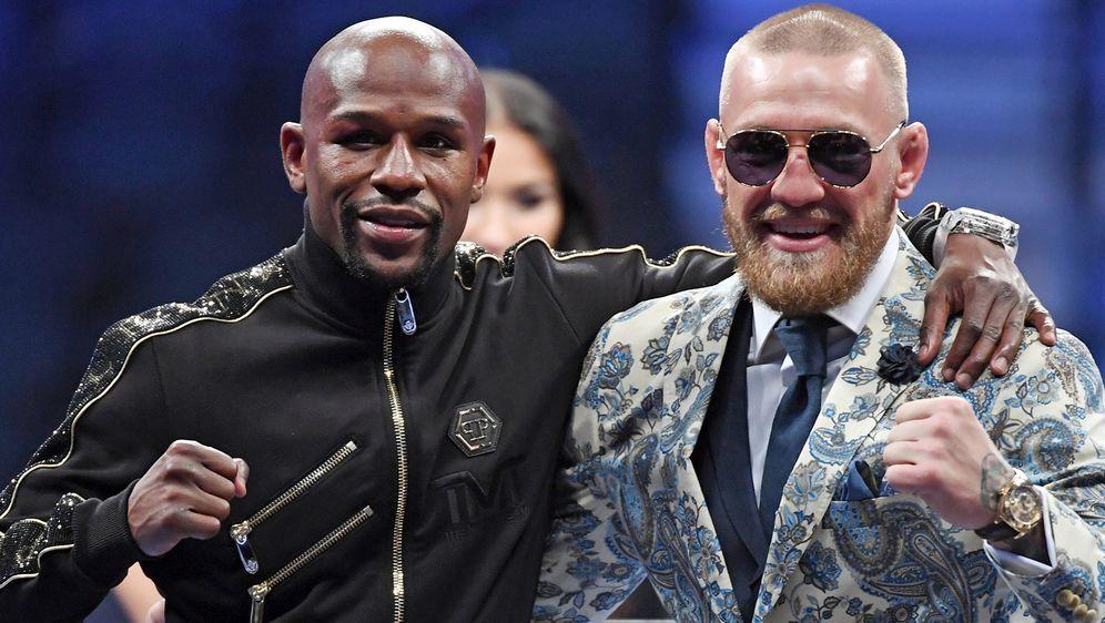 Conor McGregor und Floyd Mayweather boxten 2017 bereits gegeneinander.