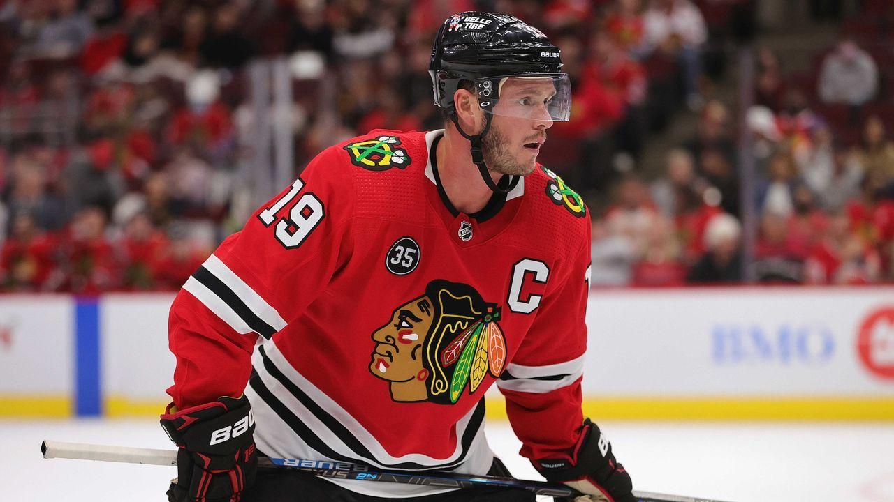 Platz 9 (geteilt): Jonathan Toews (Chicago Blackhawks) - Bildquelle: 2021 Getty Images