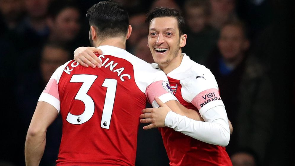 Mesut Özil und Sead Kolasinac haben sich vom Raubüberfall erholt. - Bildquelle: AFPSIDKIRILL KUDRYAVTSEV