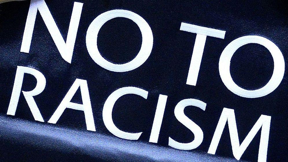 England protestiert mit Boykott gegen Rassismus - Bildquelle: AFPSIDANDREW YATES