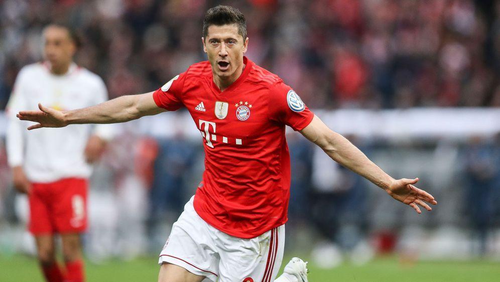 Die DFL Deutsche Fußball Liga wird die Spielpläne der Bundesliga und 2. Bund... - Bildquelle: 2019 Getty Images