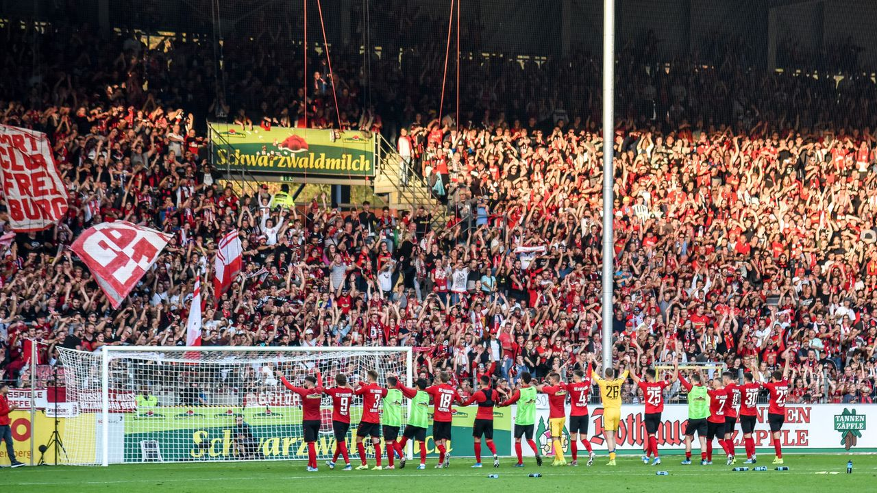 SC Freiburg - Bildquelle: imago images/Beautiful Sports
