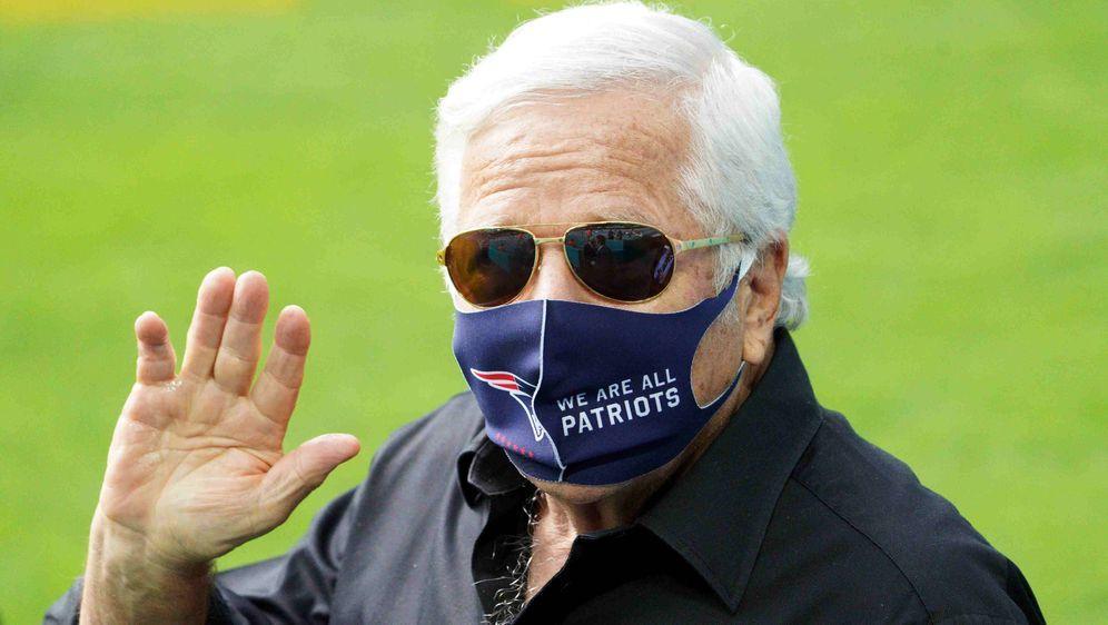 Investierte in dieser Offseason einiges an Geld: Patriots-Besitzer Robert Kr... - Bildquelle: getty