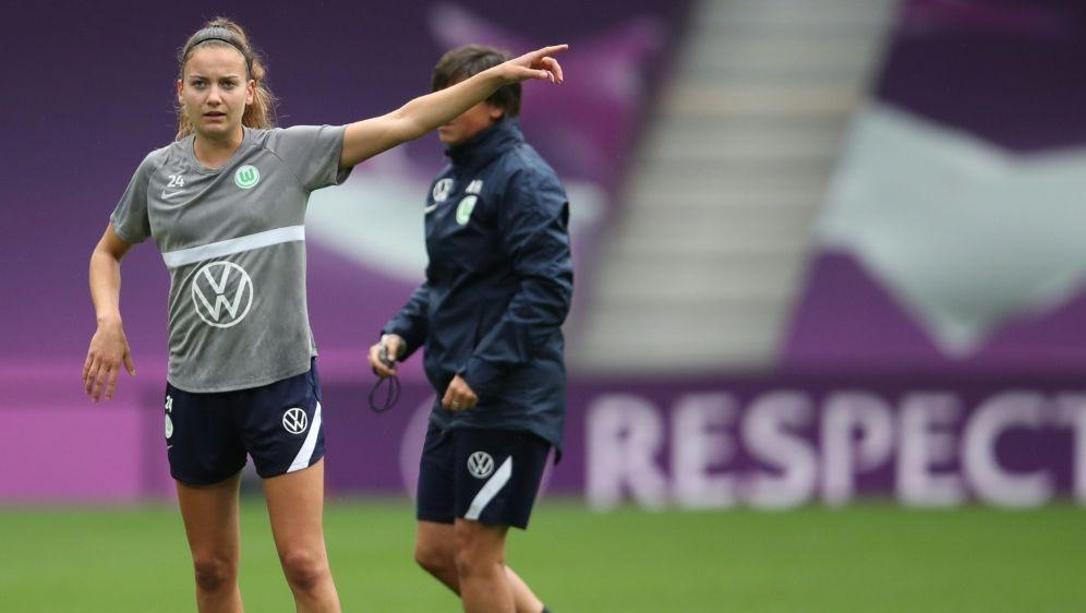 Joelle Wedemeyer bleibt dem VfL Wolfsburg treu - Bildquelle: AFPPOOLSIDCLIVE BRUNSKILL