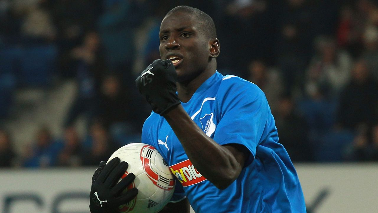 Demba Ba (34) - Bildquelle: 2010 Getty Images