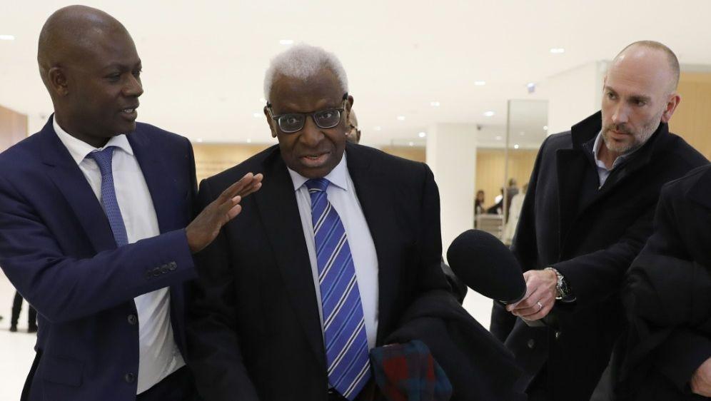 Prozess gegen Lamine Diack auf den 8. Juni verschoben - Bildquelle: AFPSIDTHOMAS SAMSON