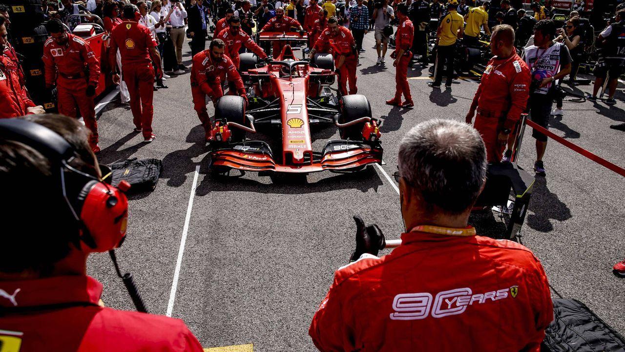 Verlierer -  Scuderia Ferrari - Bildquelle: imago images / HochZwei