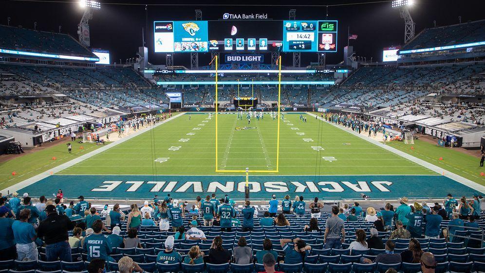 Bei den Jaguars darf eine begrenzte Anzahl an Fans ins Stadion - Bildquelle: Getty Images