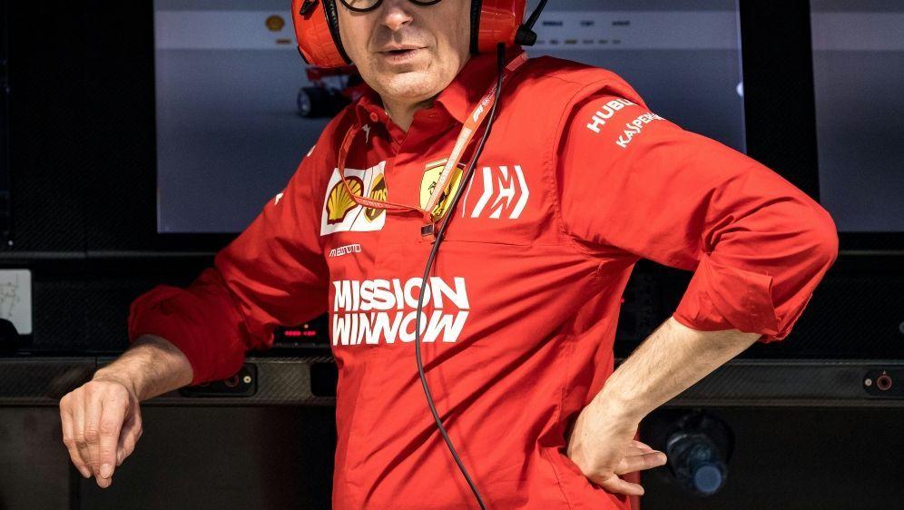 Ferrari-Teamchef Binotto glaubt nicht an eine Trendwende - Bildquelle: AFPSIDANDREJ ISAKOVIC