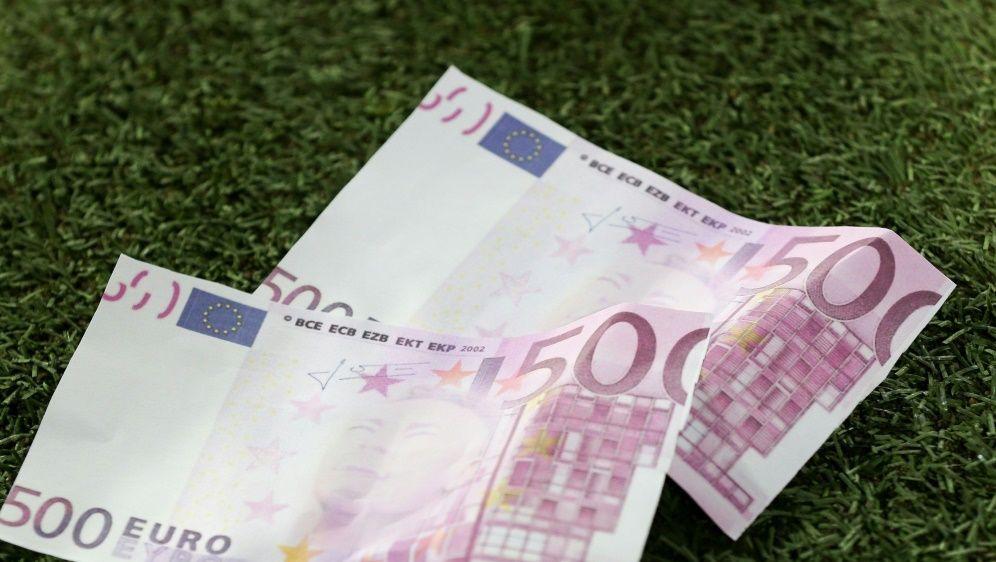 6,63 Milliarden Euro wurden 2019 für Spieler ausgegeben - Bildquelle: PIXATHLONPIXATHLONSID