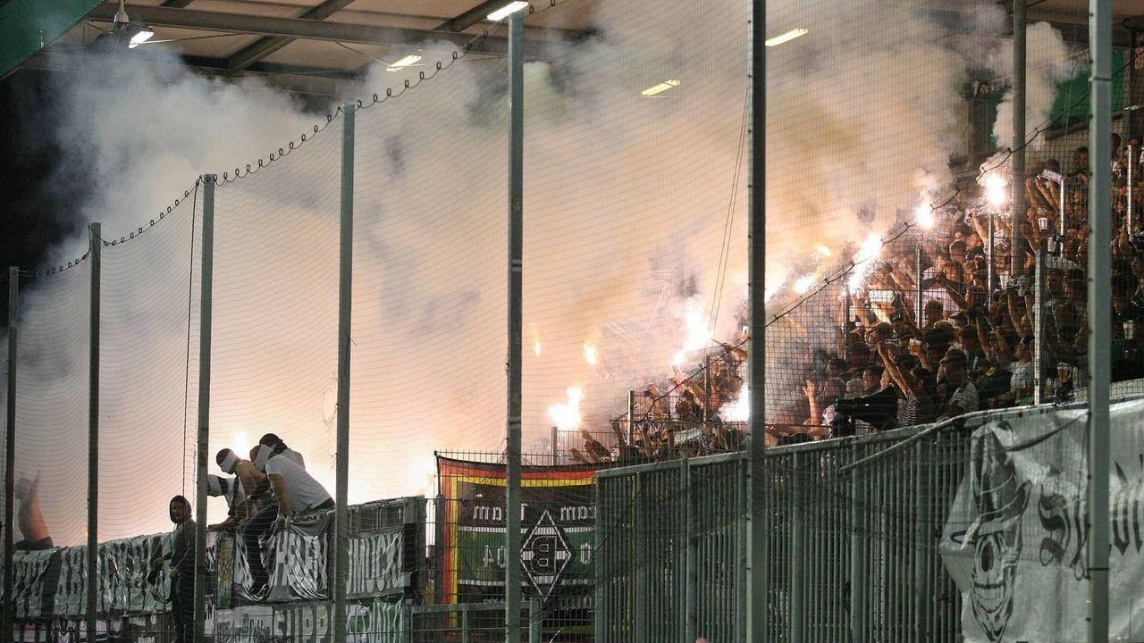 Platz 13: Borussia Mönchengladbach - Bildquelle: imago images / Jan Huebner