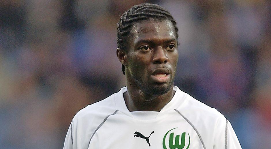 Abwehr: Hans Sarpei (VfL Wolfsburg) - Bildquelle: 2002 Getty Images
