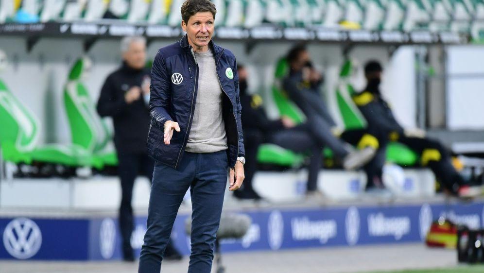 Oliver Glasner will mit Wolfsburg in die EL-Gruppenphase - Bildquelle: FIROFIROSID