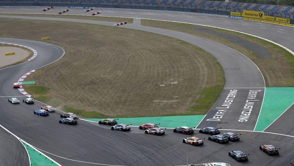 Wie es dazu kam, dass die DTM dieses Jahr auf dem Lausitzring ein spektakulä... - Bildquelle: Audi