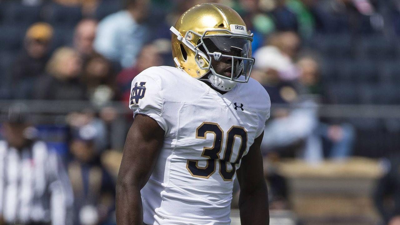 28. Pick: New Orleans Saints - Jeremiah Owusu-Koramoah (Outside Linebacker) OLB2 - Bildquelle: imago images / ZUMA Press