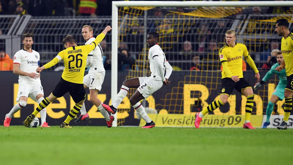 BVB schlägt schwache Frankfurter mit 4:0 - Bildquelle: AFPSIDINA FASSBENDER