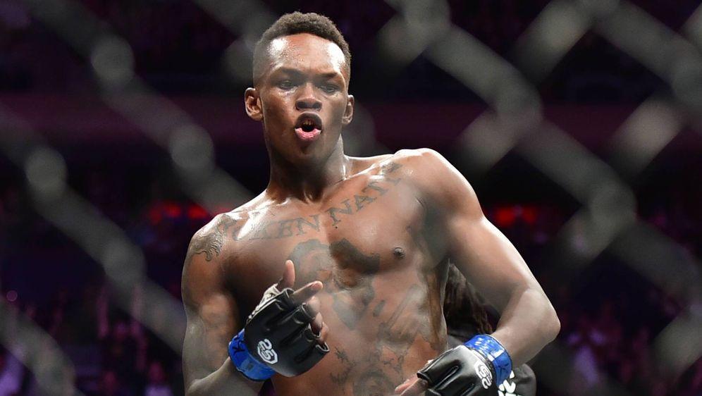 Israel Adesanya hat eine MMA-Bilanz von 18-0 mit 14 Knockouts - Bildquelle: imago/ZUMA Press
