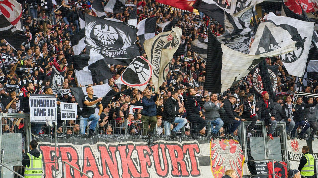 Eintracht Frankfurt - Bildquelle: imago images/ActionPictures