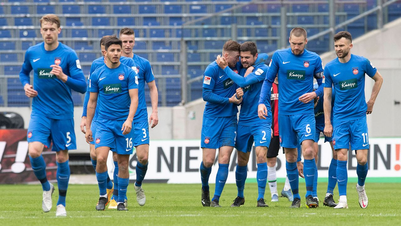1. FC Heidenheim (5. Platz - 48 Punkte) - Bildquelle: imago images/Sven Simon