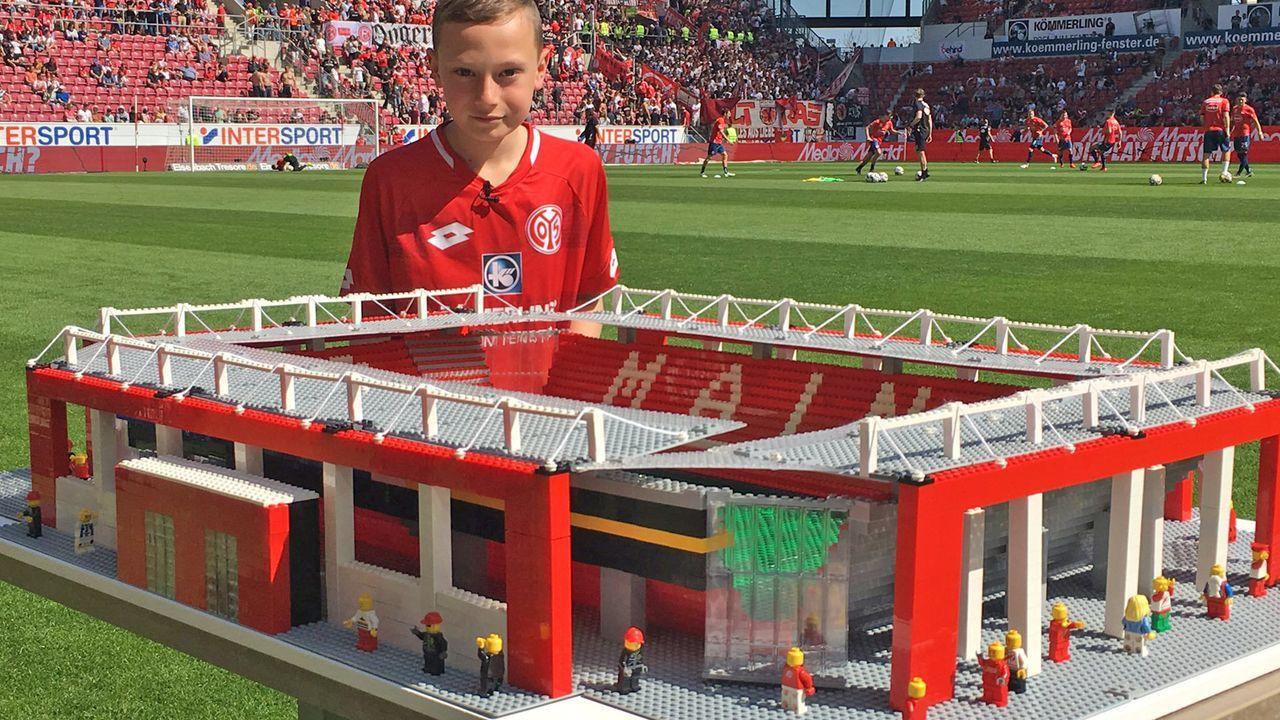 1. FSV Mainz 05 - Bildquelle: Twitter @awaydayjoe