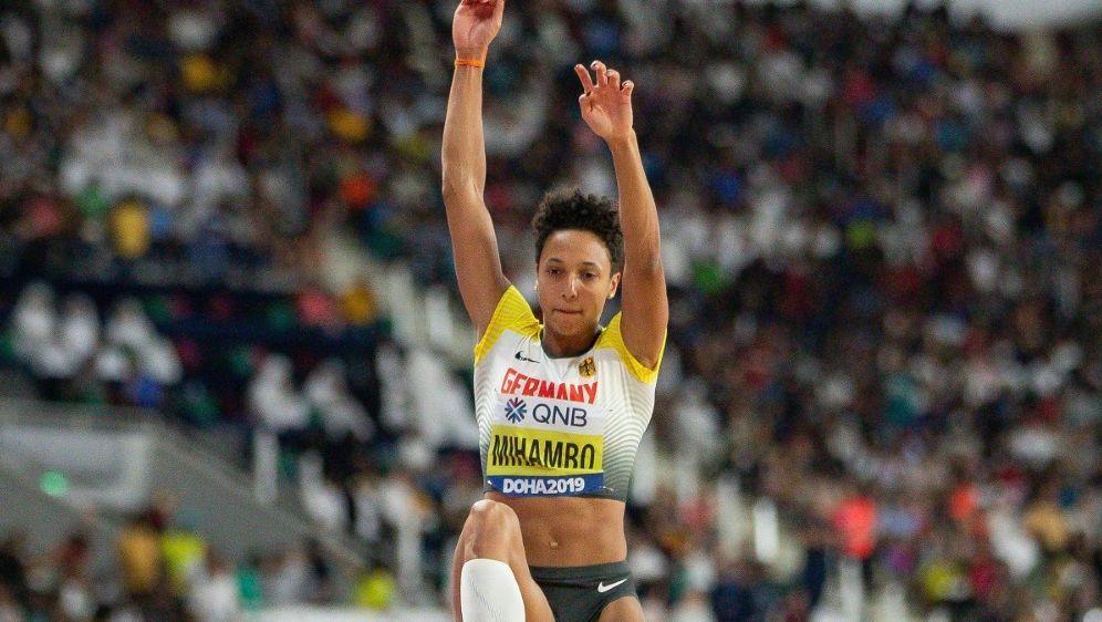 Malaika Mihambo gewann bei der WM in Doha Gold - Bildquelle: FIROFIROSID