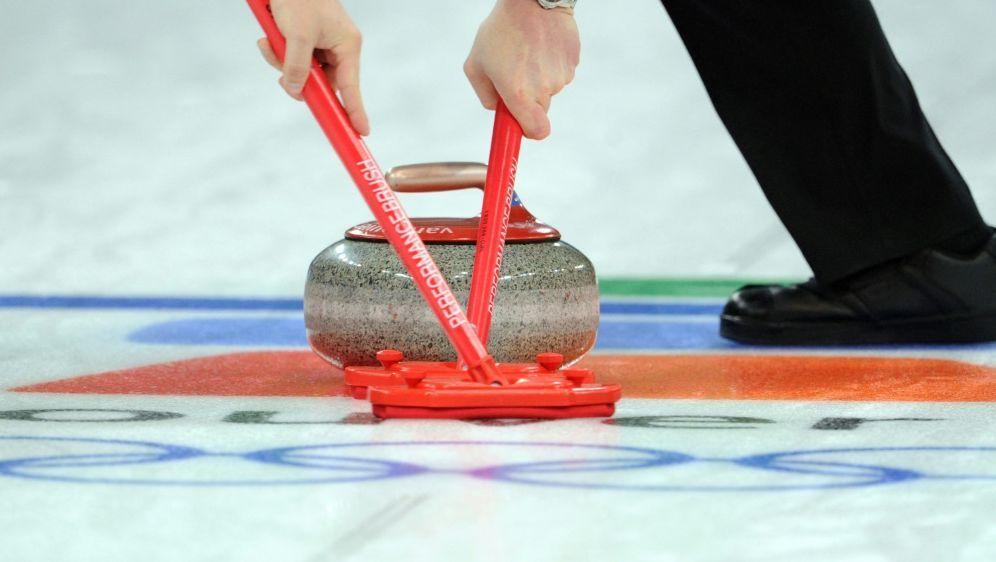 Die deutschen Curlerinnen sind weiter im Olympia-Rennen - Bildquelle: AFPSIDTOSHIFUMI KITAMURA