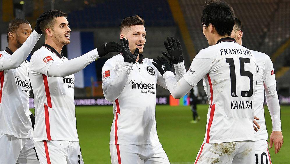 Eintracht Frankfurt surft auf der Erfolgswelle und könnte die Patzer der Kon... - Bildquelle: Getty Images