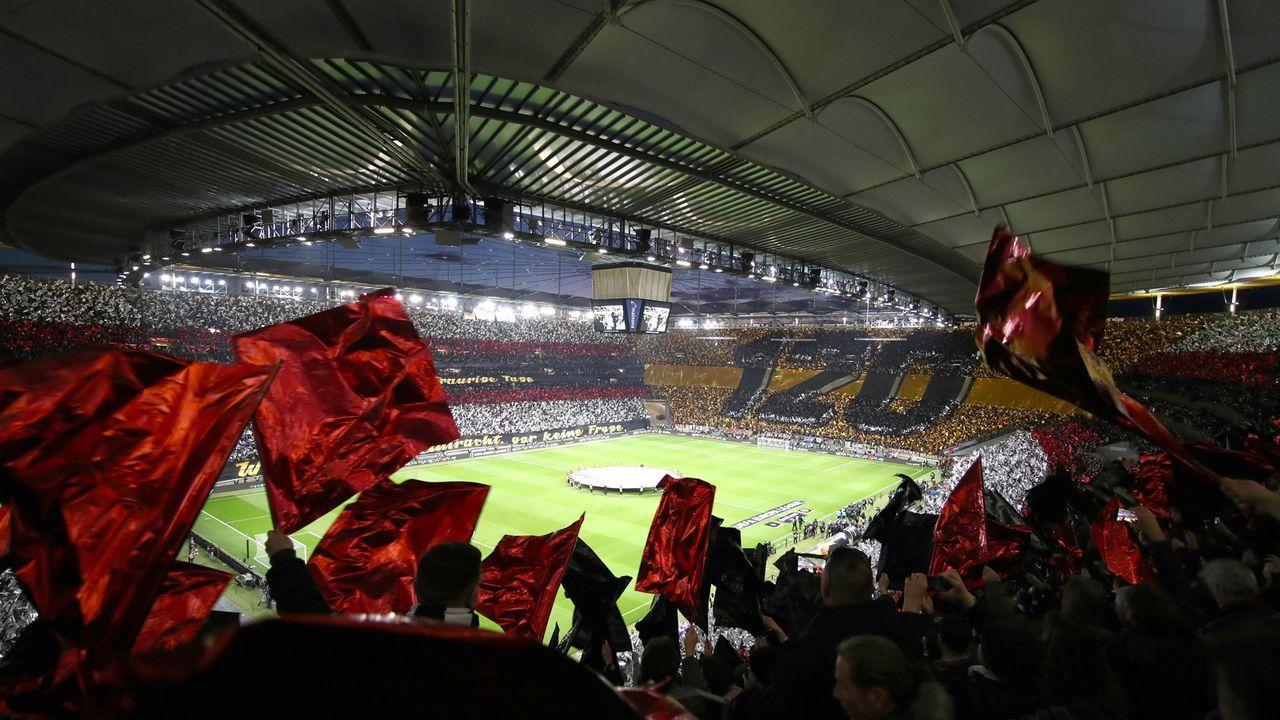 Eintracht-Fans beeindrucken mit Choreo gegen Inter  - Bildquelle: 2019 Getty Images