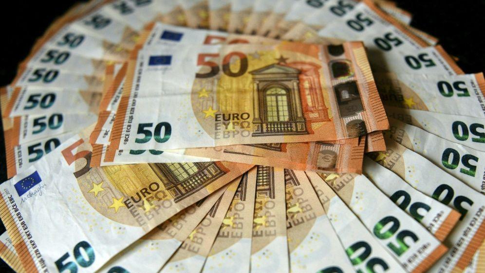 Ein großes Geschäft: Glücksspiele - Bildquelle: AFPSIDDENIS CHARLET