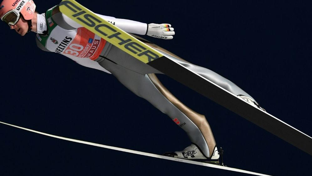 Skispringen: Severin Freund mit Erfolgserlebnis - Bildquelle: AFPSIDChristof STACHE